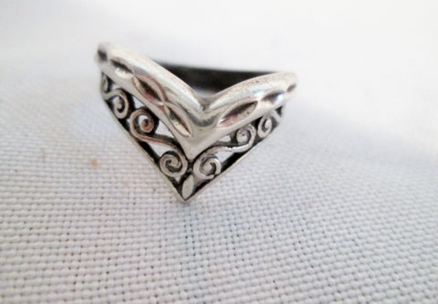 Signed Handmade STERLING Silver Ring Band ARROW Statement Jewelry Sz 6.5 Textured Swirly