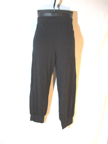 SWEATY BETTY Yoga Legging Capri Pants BLACK M Tapered Cuff Athletic Fitness