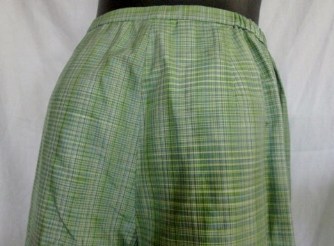 NEW Womens TALBOTS WOMAN PETITES Capri Cropped Pants Size 12W GREEN PLAID