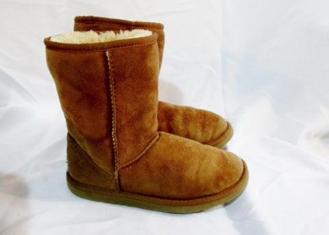 Womens UGG AUSTRALIA 5825 CLASSIC Short Suede BOOT 6 BROWN CHESTNUT Winter Shoes