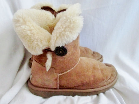 Womens UGG AUSTRALIA BAILEY BUTTON Suede Winter BOOTS Shoe 9.5 BROWN CHESTNUT Snow