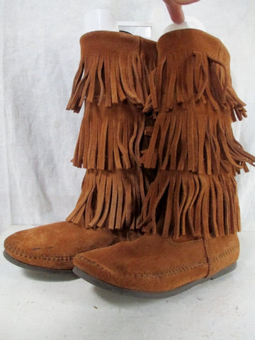 EUC Womens MINNETONKA Suede Fringe Boots Booties Moccasin Hippie BROWN Shoes 6
