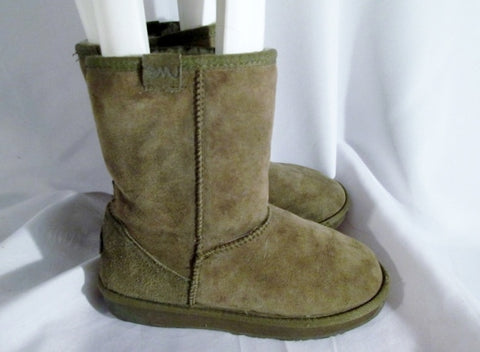 Womens EMU AUSTRALIA STINGER LO Suede Sheepskin BOOT Shoe GREEN 6 MOSS Winter