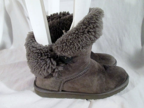 Womens UGG AUSTRALIA 5803 BAILEY BUTTON Suede Winter BOOTS Shoe GRAY 8 Snow