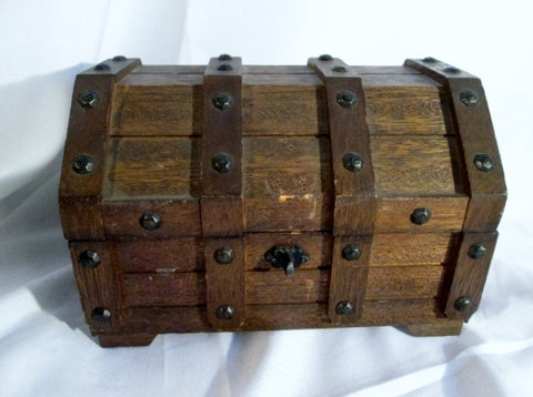 Rustic PIRATE TREASURE CHEST JEWELRY BOX Rivet Wood Box Retail Display Primitive