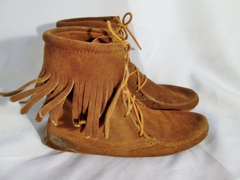 Womens MINNETONKA Suede Fringe Ankle Boots Moccasin BROWN Shoe 9 Booties Lace Up