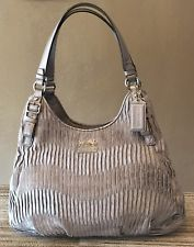 AUTHENTIC COACH 18886 Madison Maggie Gathered Shoulder Bag Silver SIGNATURE Hobo Satchel Purse