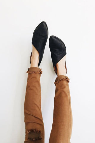 Stella Flats in Black