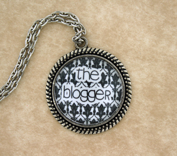 The Blogger Metal Pendant Necklace - Consulting Fangeeks - 1