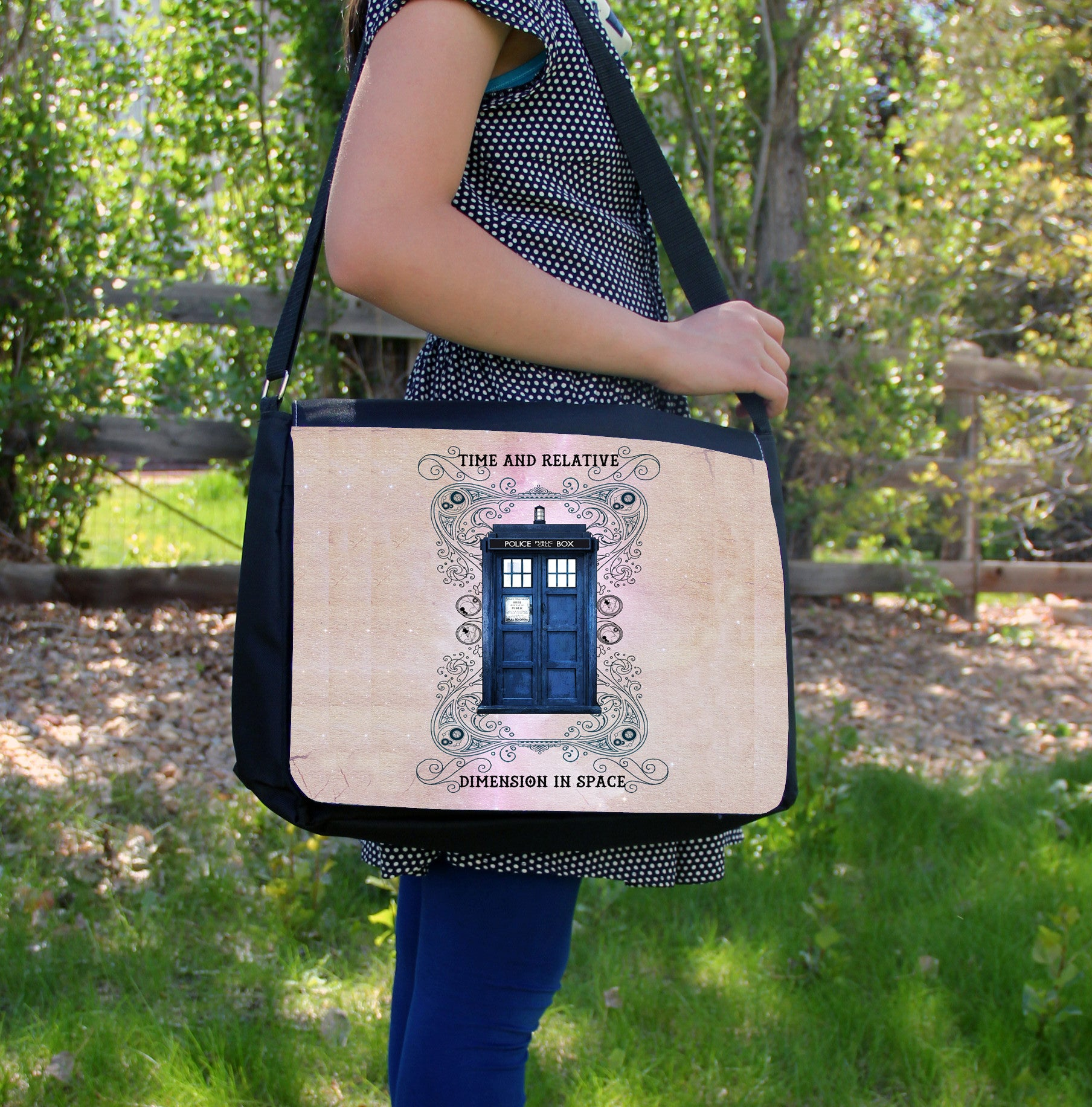 """Police Box Grunge"" Laptop Bag - Consulting Fangeeks - 1"