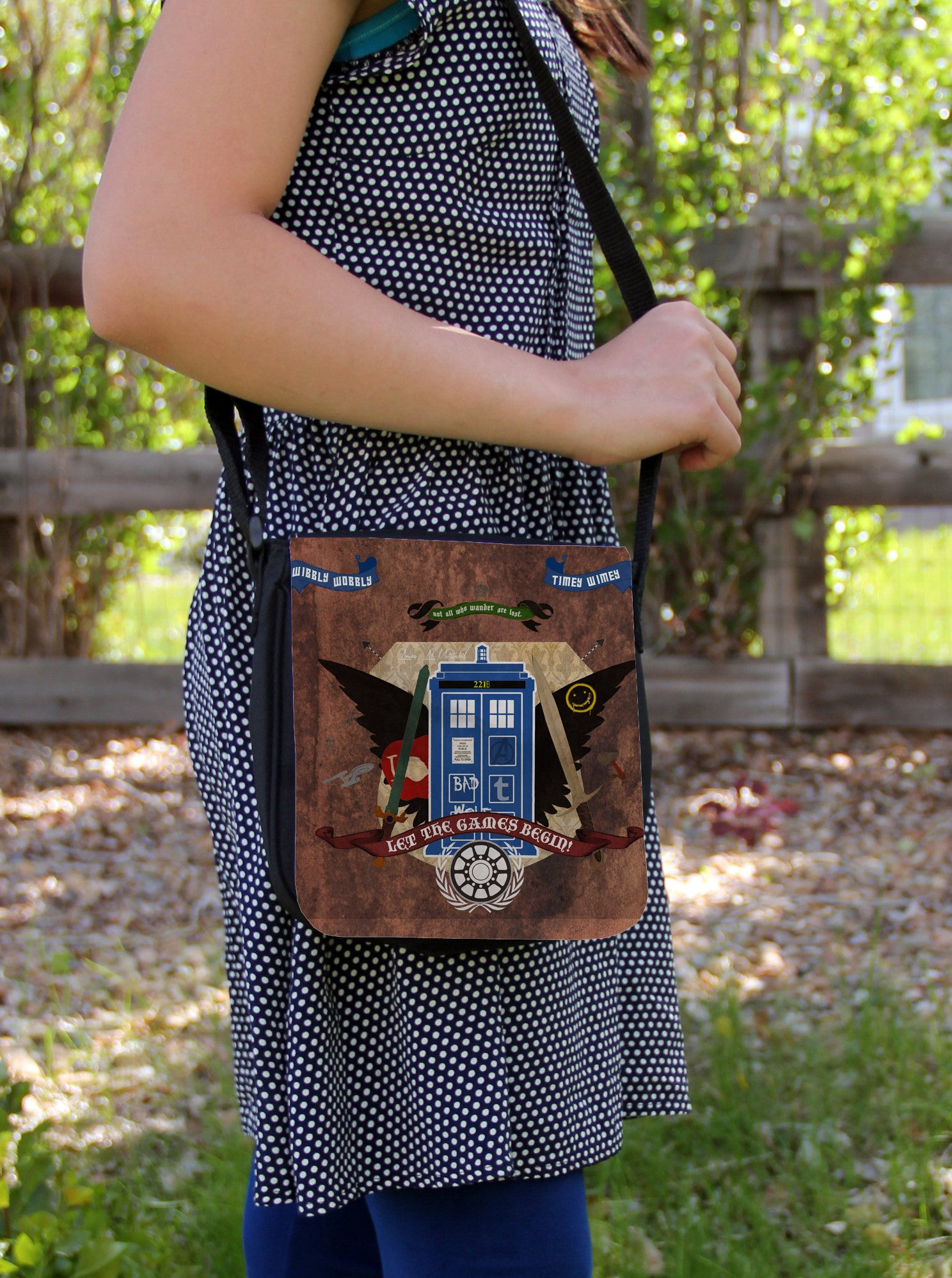 Crest of the Fandoms Messenger Bag - Consulting Fangeeks - 1