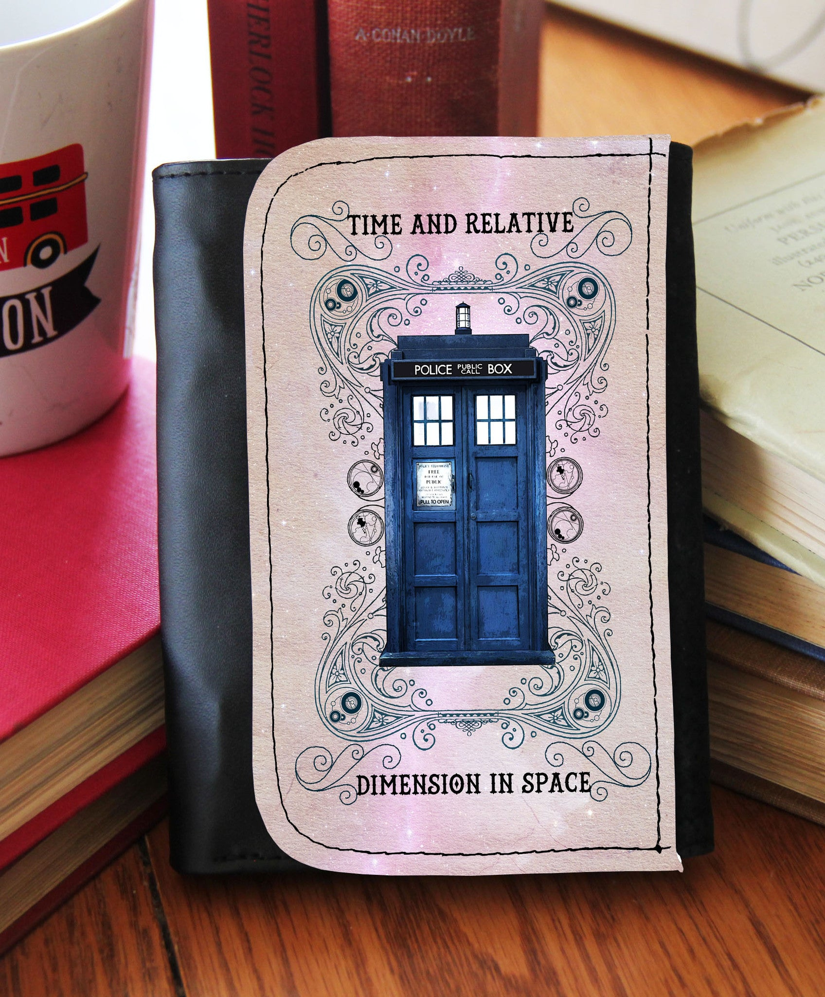 Grunge Police Box Wallet - Consulting Fangeeks - 1