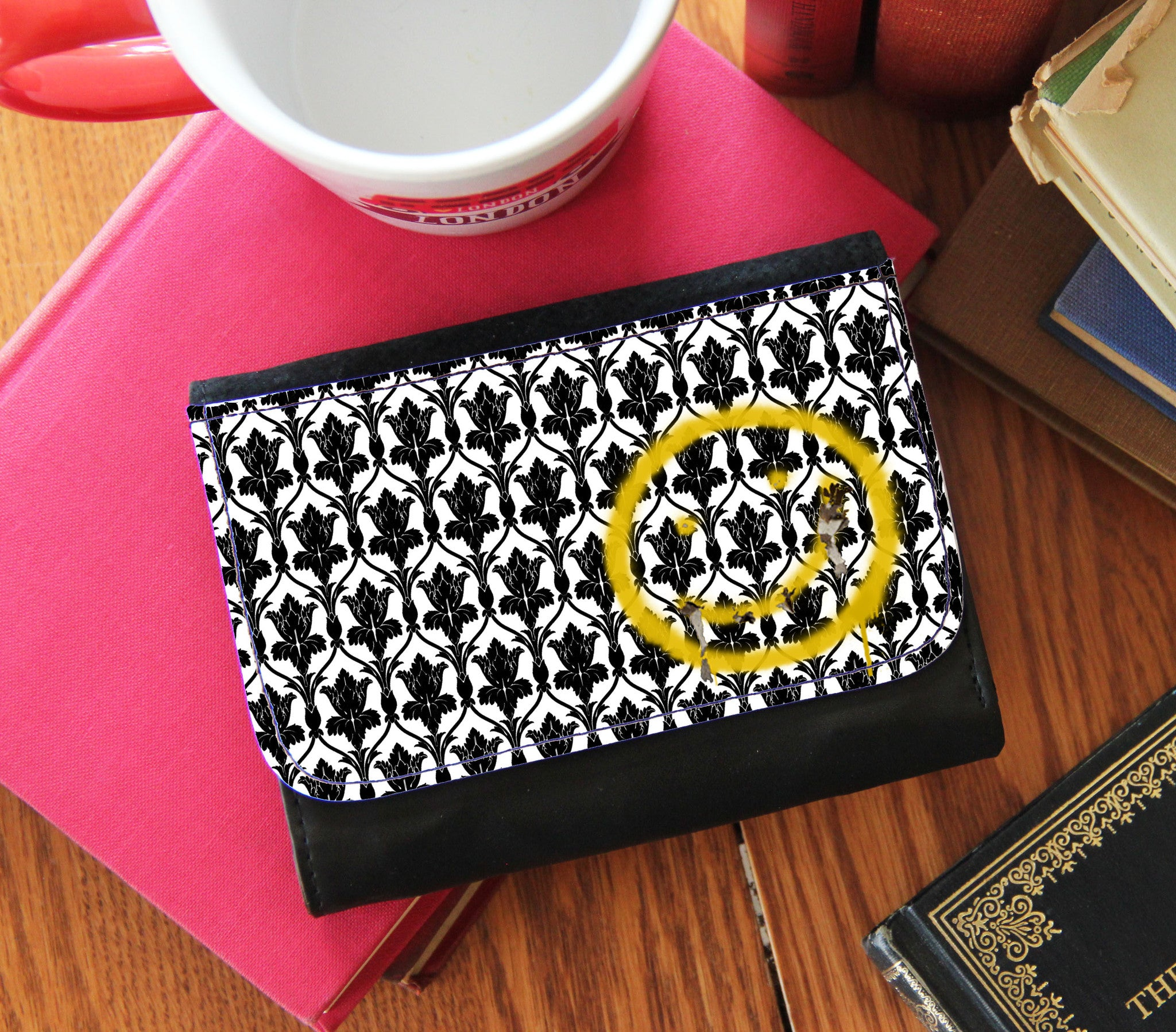 Bored! Smiley Faux Leather Wallet - Consulting Fangeeks - 1