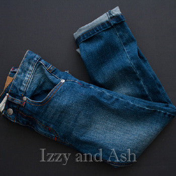 "<img src=""Appaman-Boys-Straight-Leg-Darkwash-Jeans-Fashion-Image-Fall-2015-Izzy-and-Ash.jpg"" alt=""Appaman Boys Straight Leg Darkwash Jeans Fashion Image Fall 2015 Izzy and Ash"">"