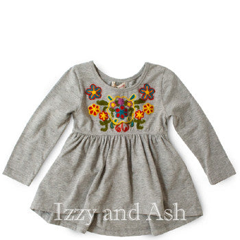 "<img src=""Mimi-and-Maggie-Girls-Grey-Embroidered-Flower-Fall-2015-Izzy-and-Ash.jpg"" alt=""Mimi and Maggie Girls Grey Embroidered Flower Tunic Fall 2015 Izzy and Ash"">"