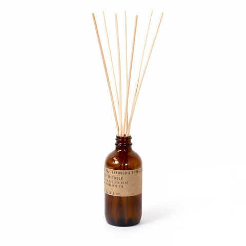 pf candle reed diffuser / teakwood & tobacco