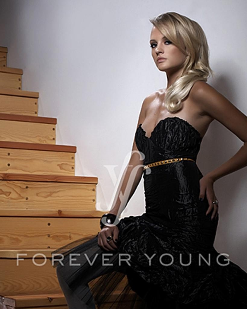 Ultra Femme by Forever Young Hairpieces