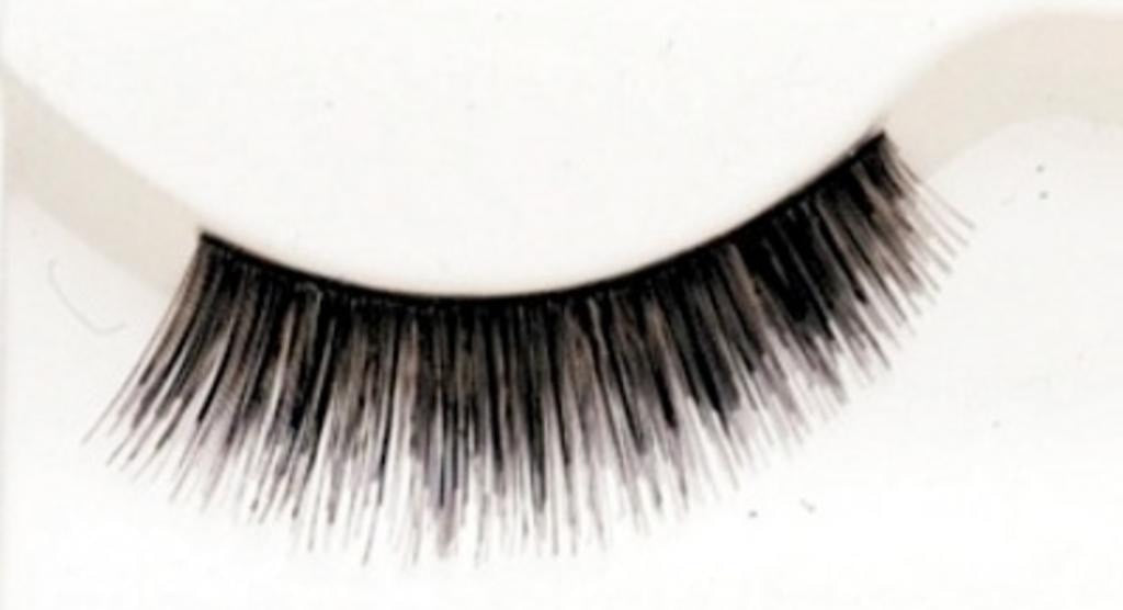 Eyelash 320 by Lacey Costume Costume Eyelashes