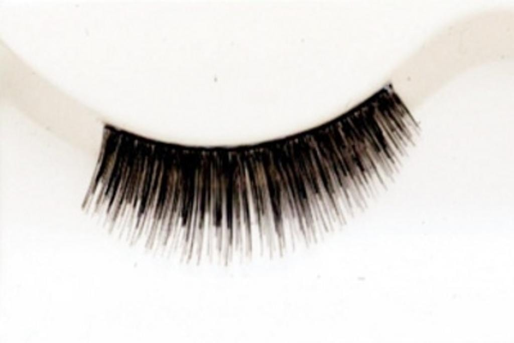 Demy Y by Lacey Costume Costume Eyelashes