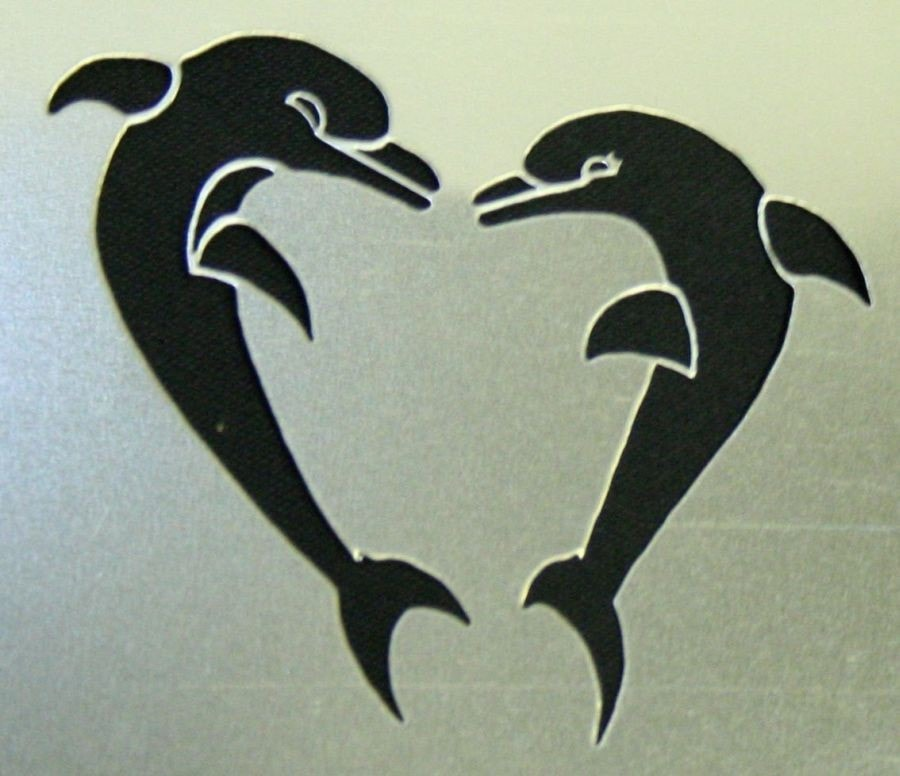 Morris Stencil Heart Shapd Dolphins - MaxWigs