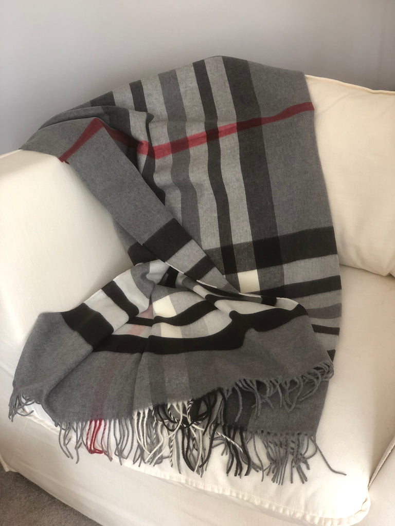 Blanket Throw in Grey and Red