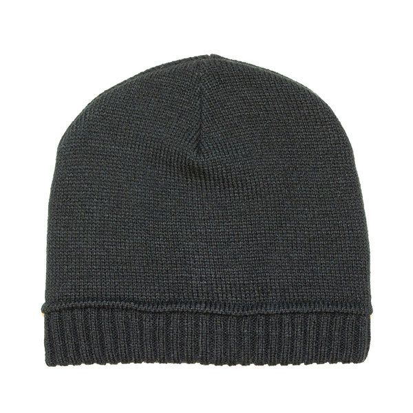Fitted Black Toque
