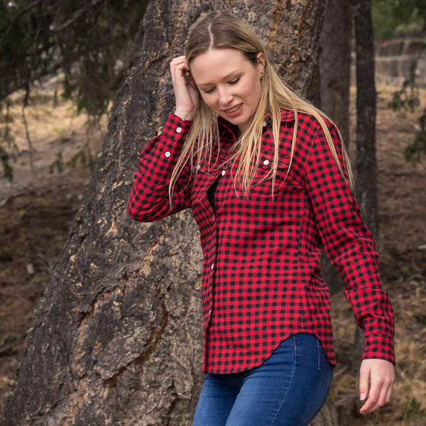 600 / Woman's Flannel Shirt in Red/Black Small  Check