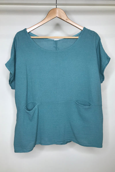 Short Sleeve Top with Front Pockets O/S