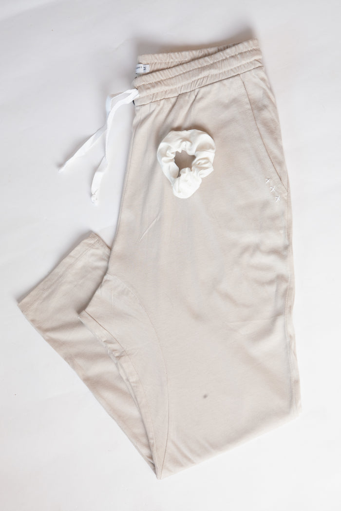 Oatmeal Organic Cotton Madley Pant & White Scrunchie Set