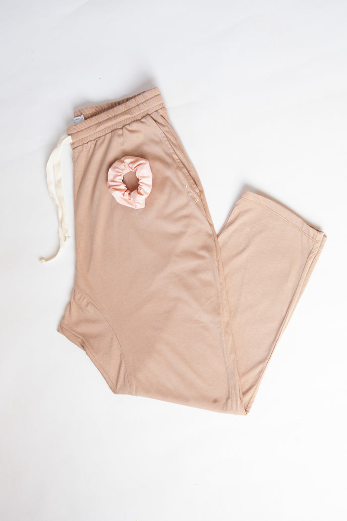 Clay Organic Cotton  Madley Pant and Apricot Scrunchie Set
