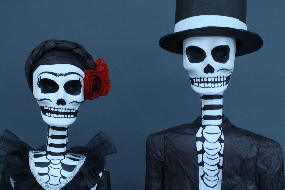 Life Size Calaveras Couple Rental