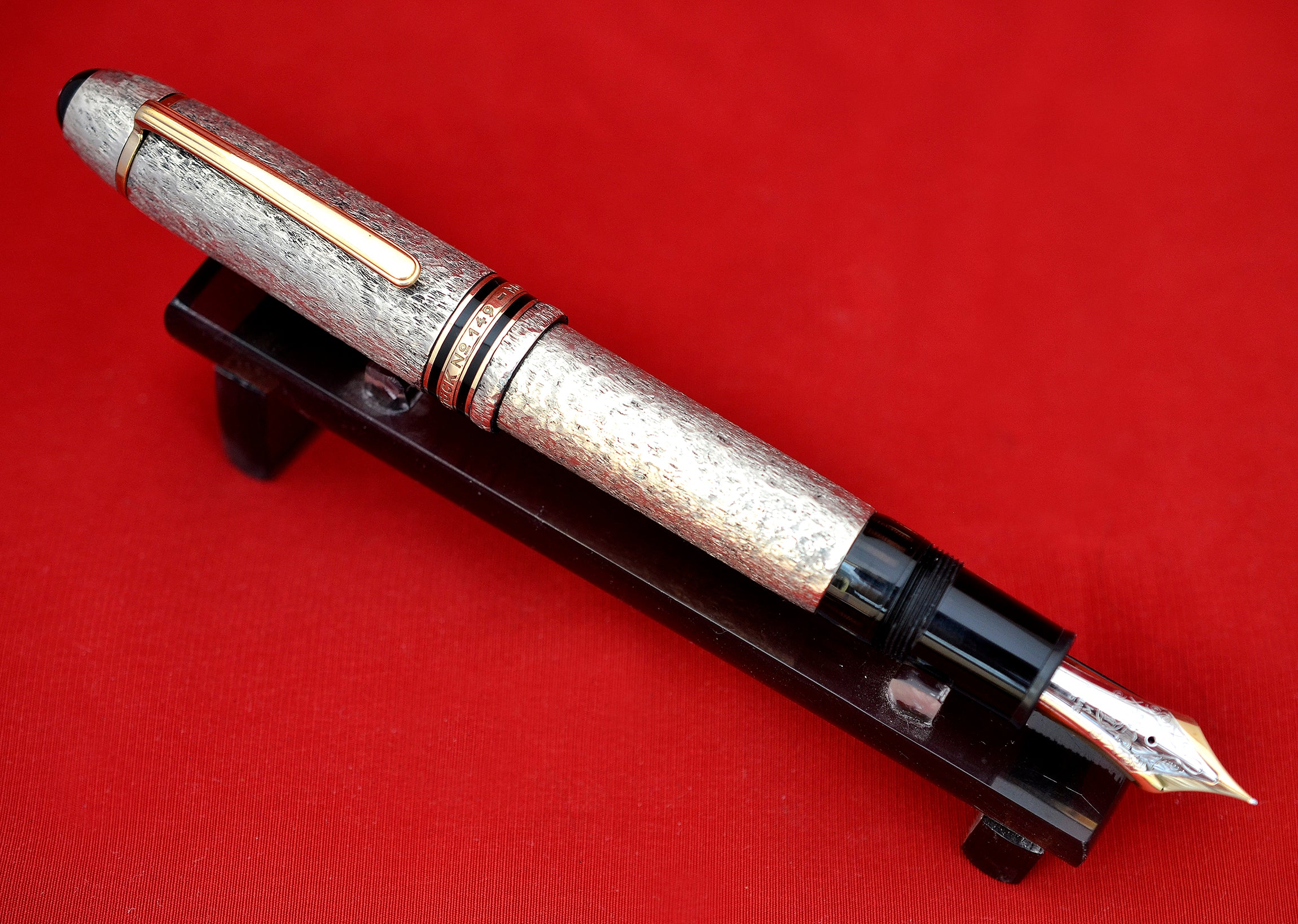 "Ariel Kullock Customized ""Martele"" Overlay on Mont Blanc 149 Fountain Pen"