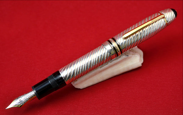 "Ariel Kullock Customized ""Swirl"" Overlay on Mont Blanc 149 Fountain Pen"