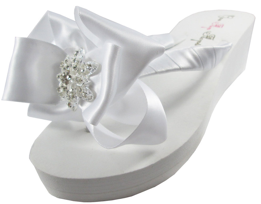 Wedding Flip Flops, Vintage Flower, in Ivory or White Bows for the Bride and Bridesmaids