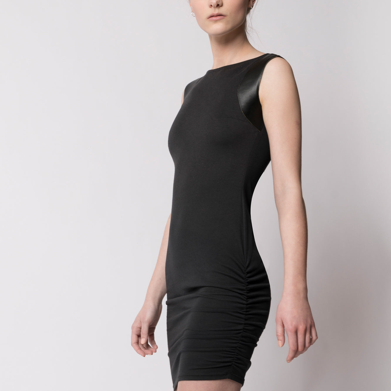Fitted dress with leather detail - Tindi