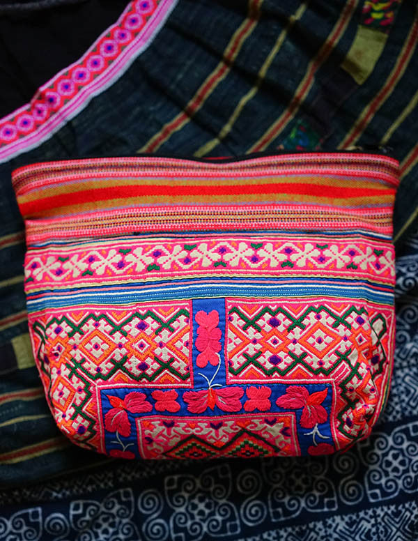 Maisa Embroidery Clutch