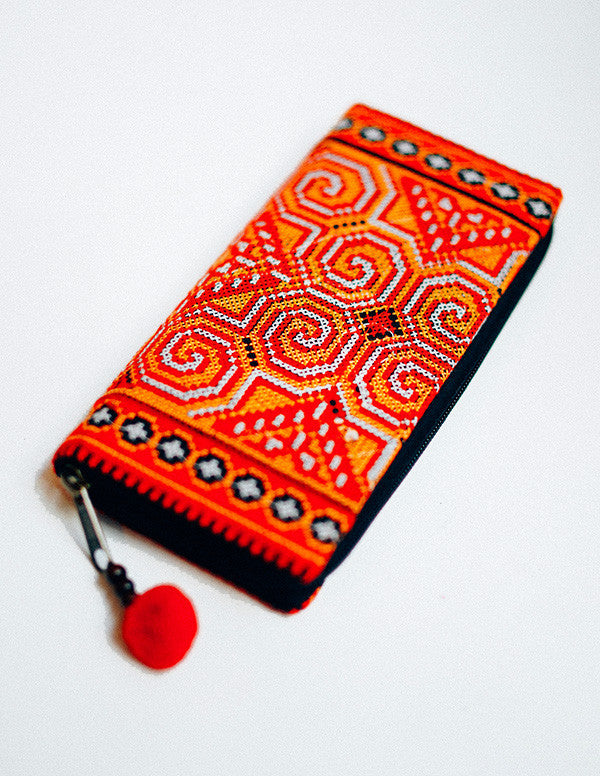Sachi Embroidery Clutch