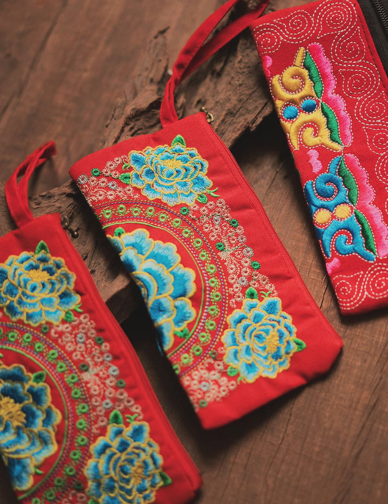 Anne Embroidery Wallet