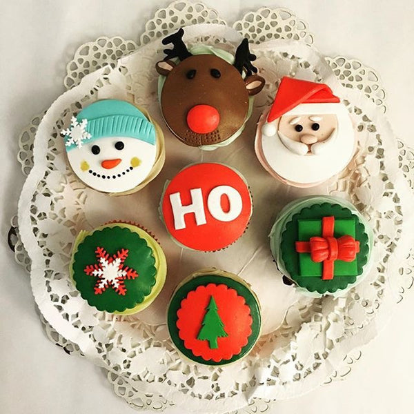Christmas Themed Cakes Pictures.Christmas Themed Cupcakes