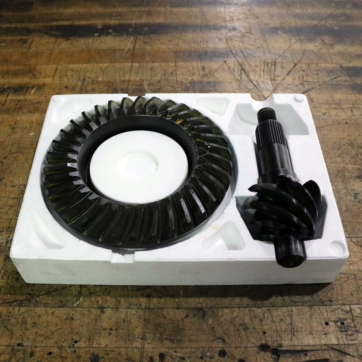 TOMS FORD 9.5 4.86 RING & PINION