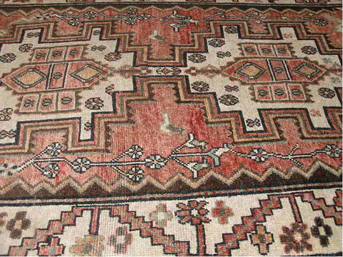 ANTIQUE SAMAN PERSIAN BAKHTIAR