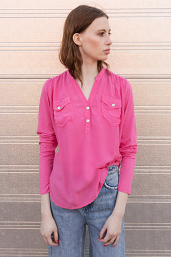 Moe Shirt with long sleeves and v-neck in color pink