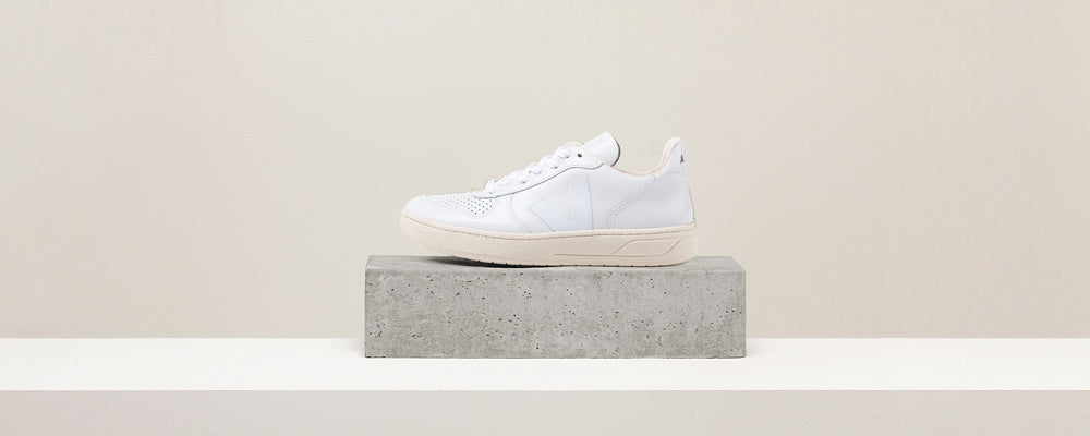 Veja V-10 Leather Extra White Pierre