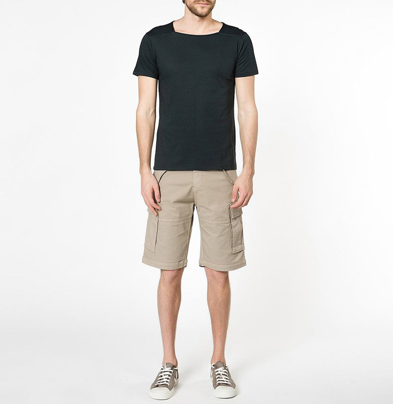 Cotton-Gabardine Cargo Shorts Beige | The Project Garments - Model