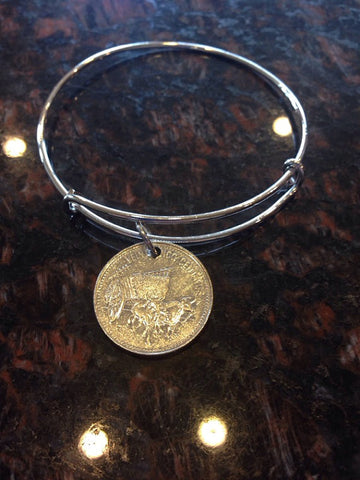 """Dominican Republic 25 centavos expandable  wire bangle bracelet	"""