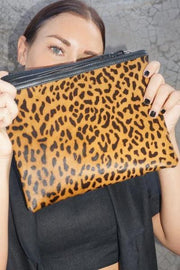SAUDARA THE LABEL Large CC Zip Cowhide Pouch Jaguar
