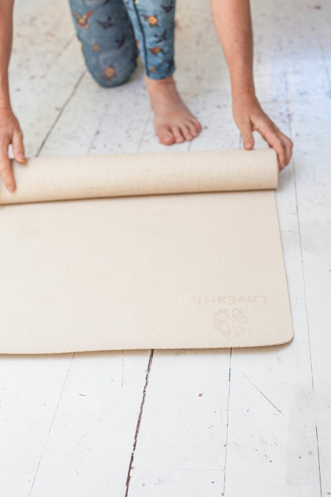 LoveEarth Yoga Mat- Without Bag