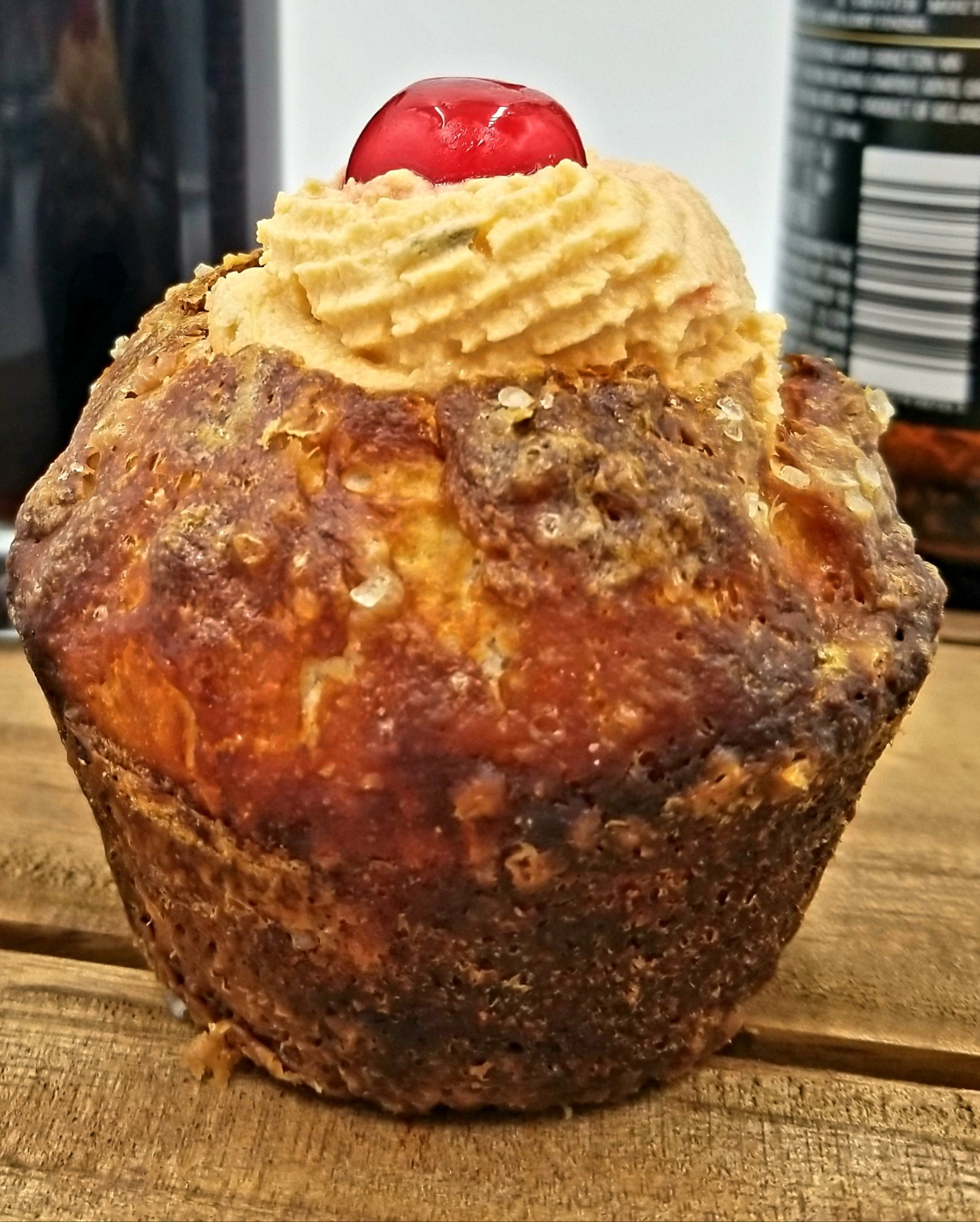 "Frat Boy™ Beer & Bourbon Cheese and PRETZEL BREAD ""Cupcake"""