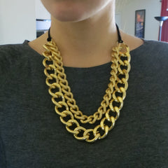 double layering chunky gold necklace