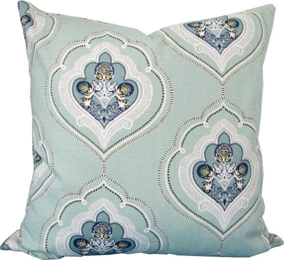 Charlotte Pillow - Sarah Virginia Home